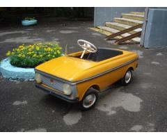 Автомобиль детский педальный Москвич